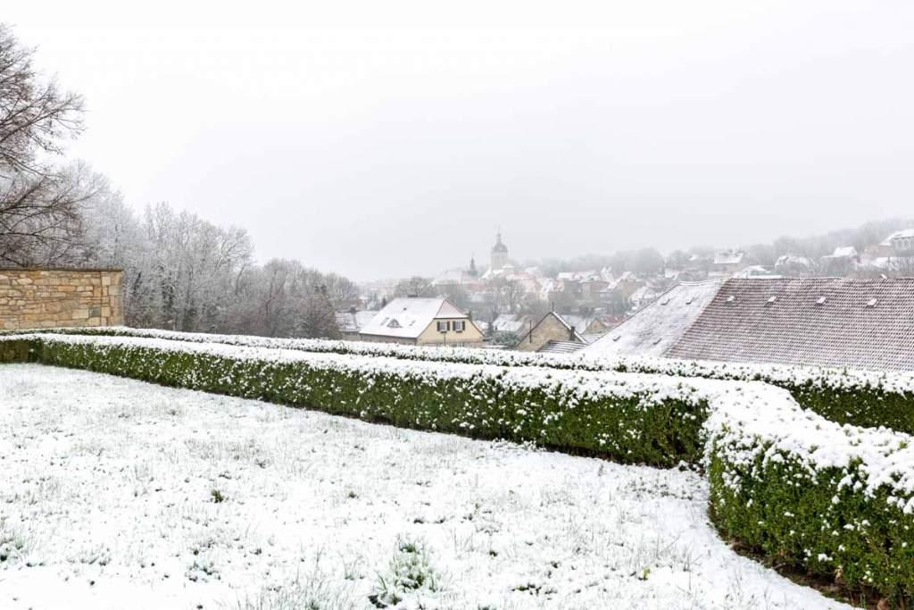 Ausblick auf das verschneite Mücheln Geiseltal